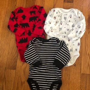 Bundle of long sleeve bodysuits. Size 3 months.